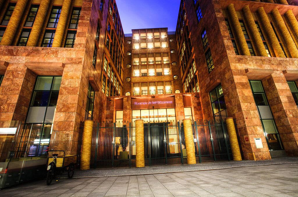 Dolgozz egy európai nagyvárosban, a világ egyik vezető ügyvédi irodájánál